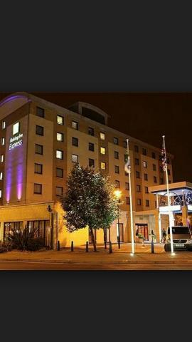 HolidayInnKensington1