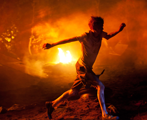 a review of lord of the flies Review: lord of the flies reviewer: nausika from usa lord of the flies represents society to a tee even more so in the 90s than in the day it was written william.